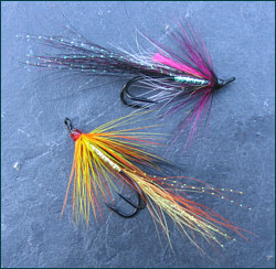 Double hooked salmon flies
